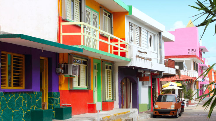 Colourful street on Isla Mujeres, Mexico